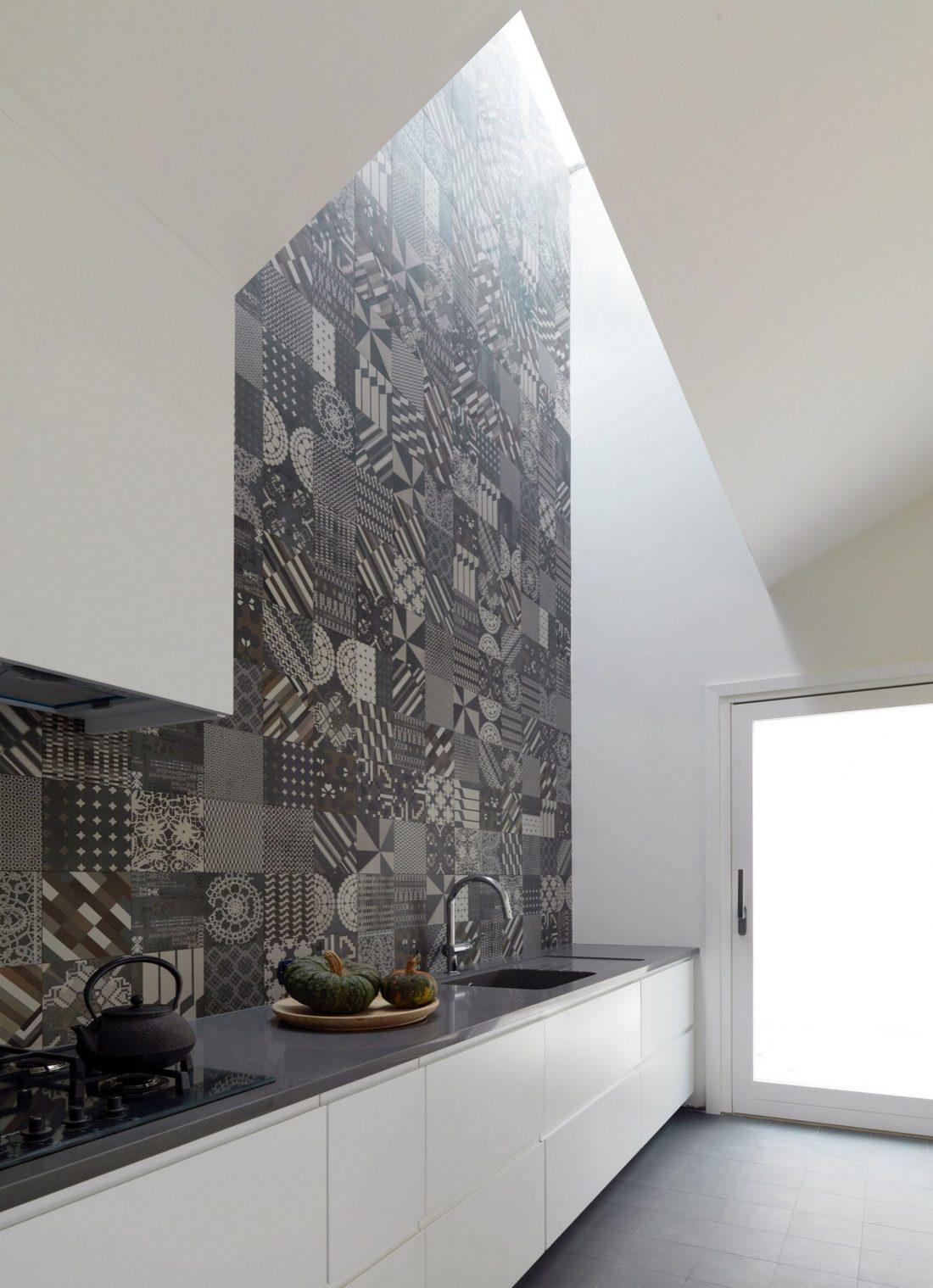 seryj-granitnyj-dom-ot-studii-ifdesign-7
