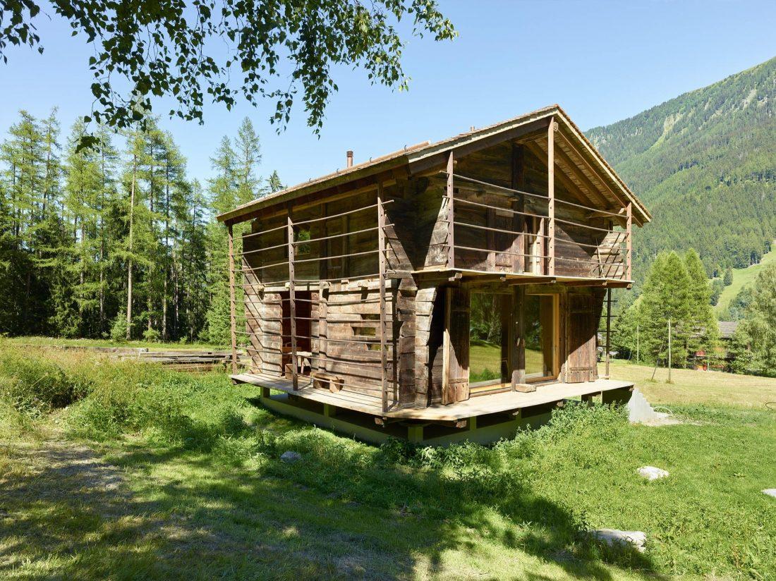 Современный дом из старого амбара в Швейцарии от студии Savioz Fabrizzi Architectes 10