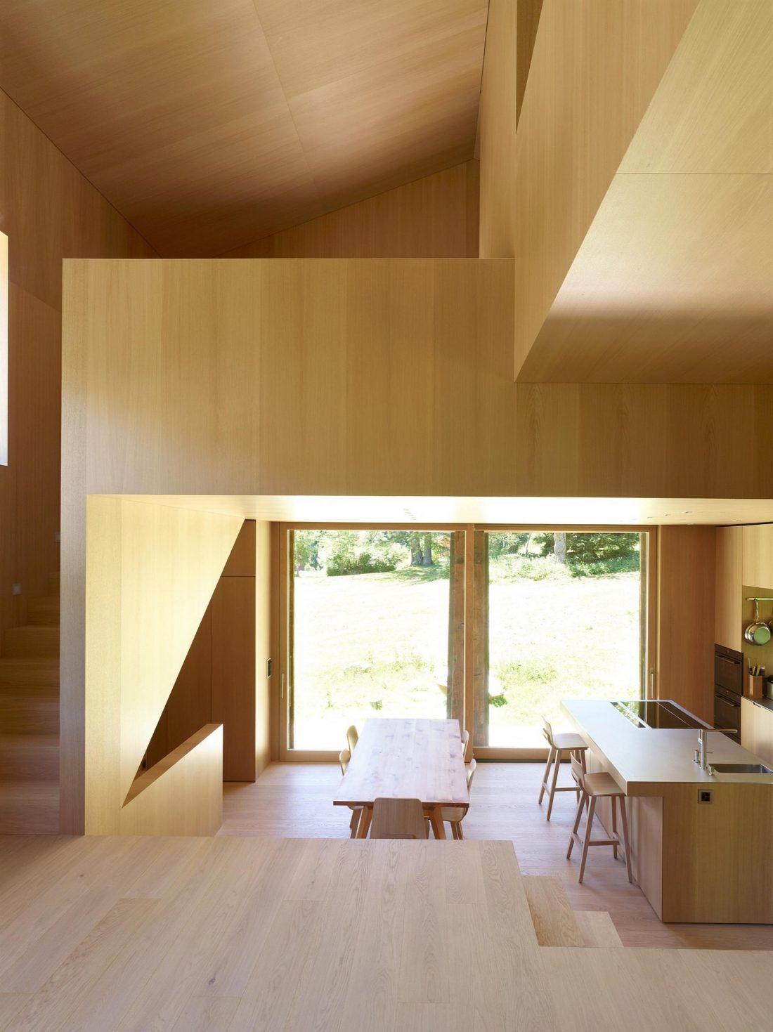 Современный дом из старого амбара в Швейцарии от студии Savioz Fabrizzi Architectes 12