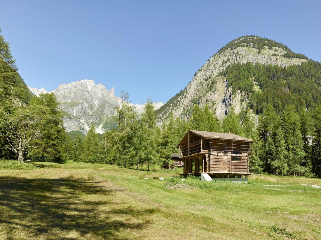 Современный дом из старого амбара в Швейцарии от студии Savioz Fabrizzi Architectes 13