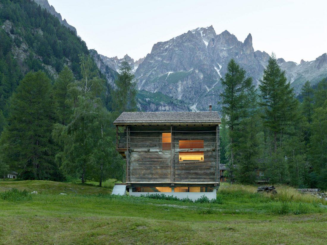 Современный дом из старого амбара в Швейцарии от студии Savioz Fabrizzi Architectes 4