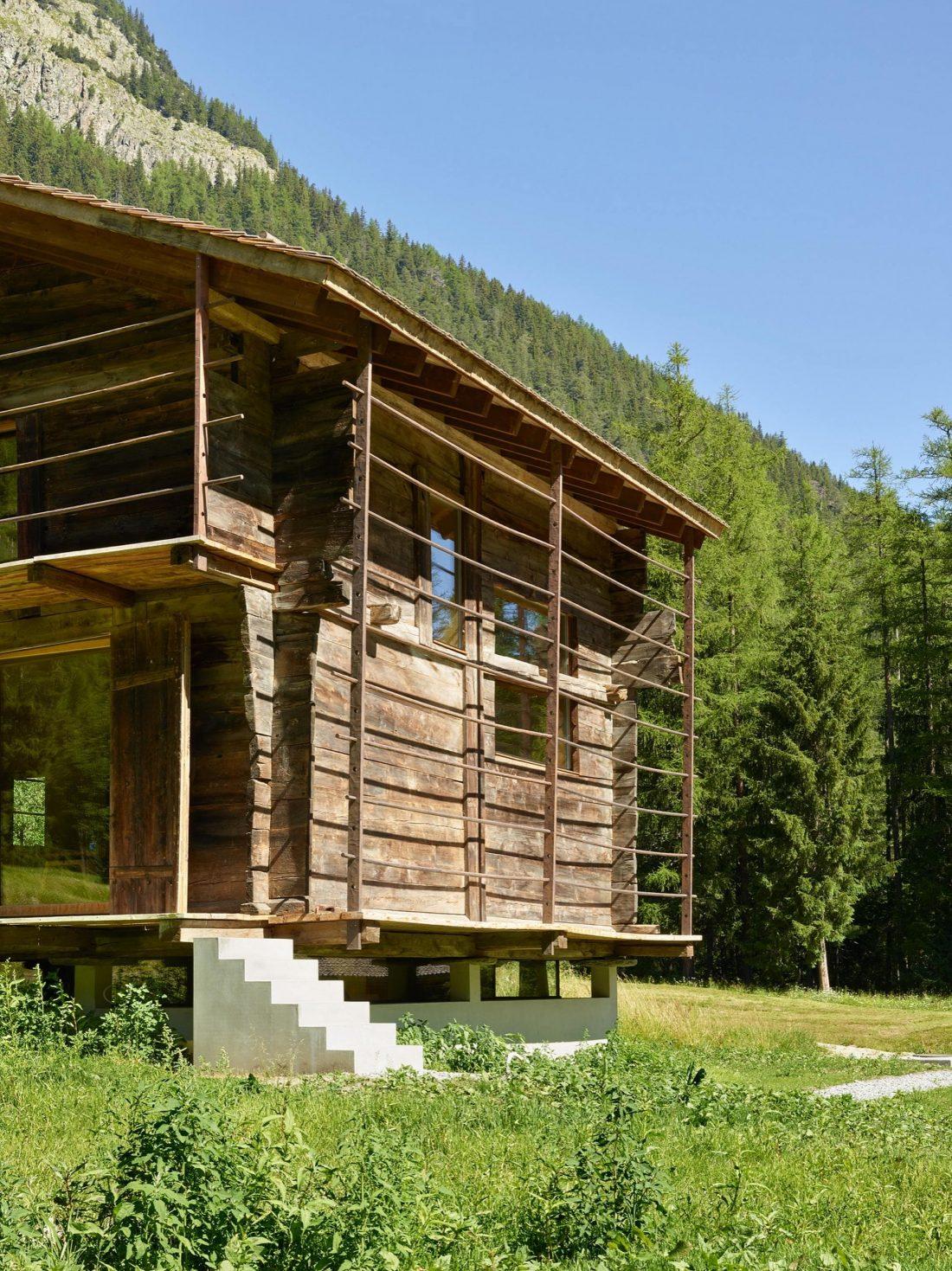 Современный дом из старого амбара в Швейцарии от студии Savioz Fabrizzi Architectes 6
