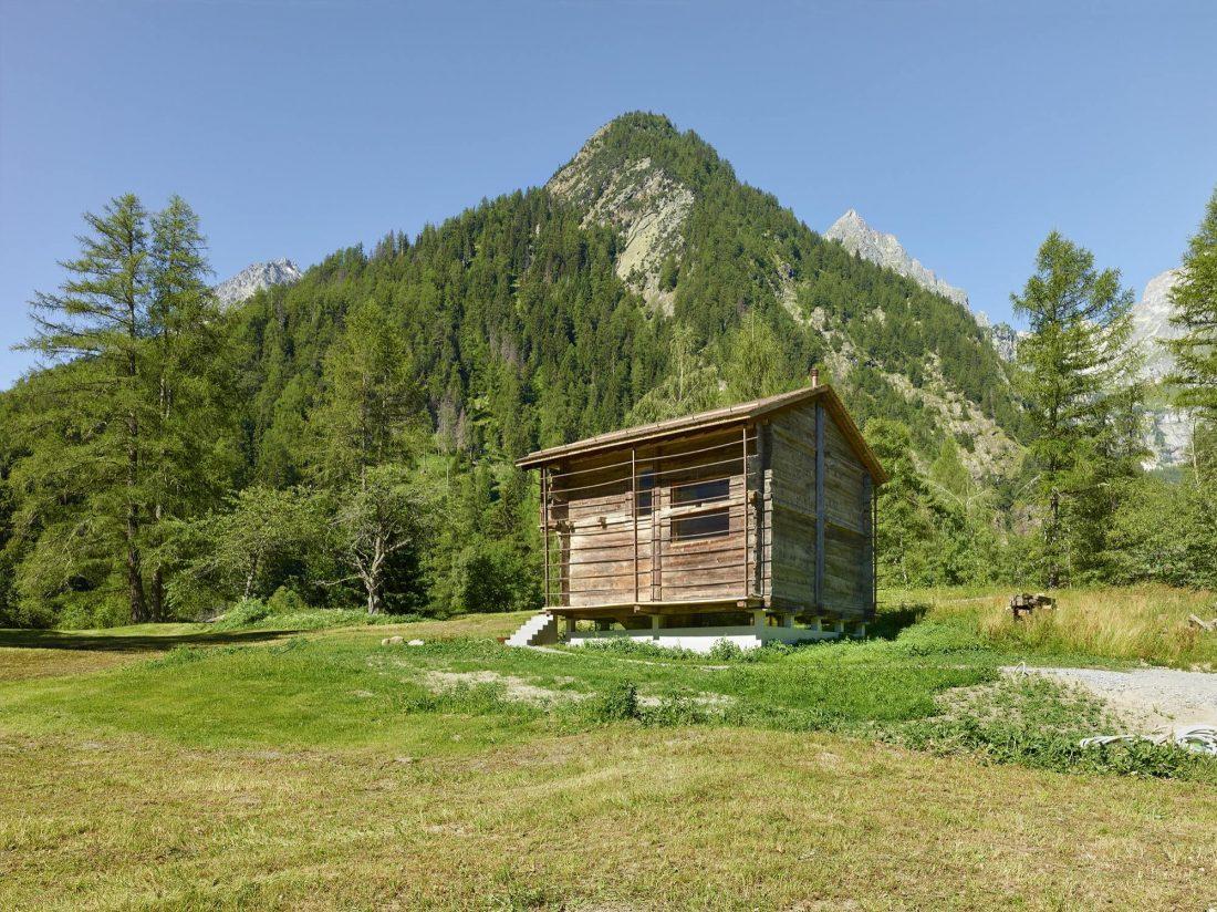 Современный дом из старого амбара в Швейцарии от студии Savioz Fabrizzi Architectes 7