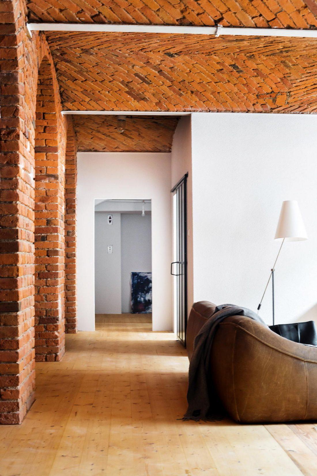 Дизайн интерьера квартиры в стиле лофт 27