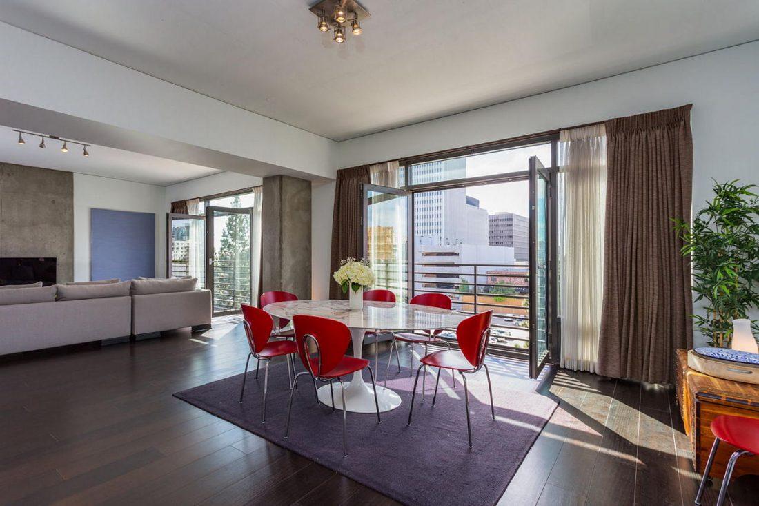 Дизайн интерьера квартиры в стиле лофт 55