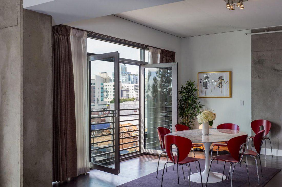 Дизайн интерьера квартиры в стиле лофт 56