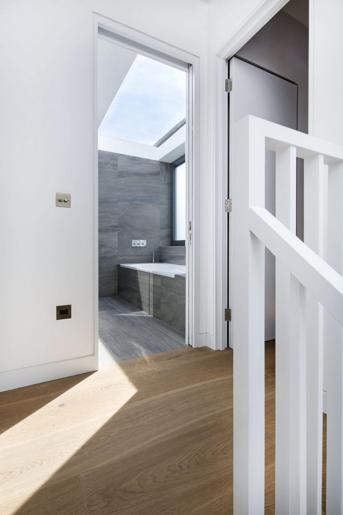 Дом Брекенбури от студии Neil Dusheiko Architects 11