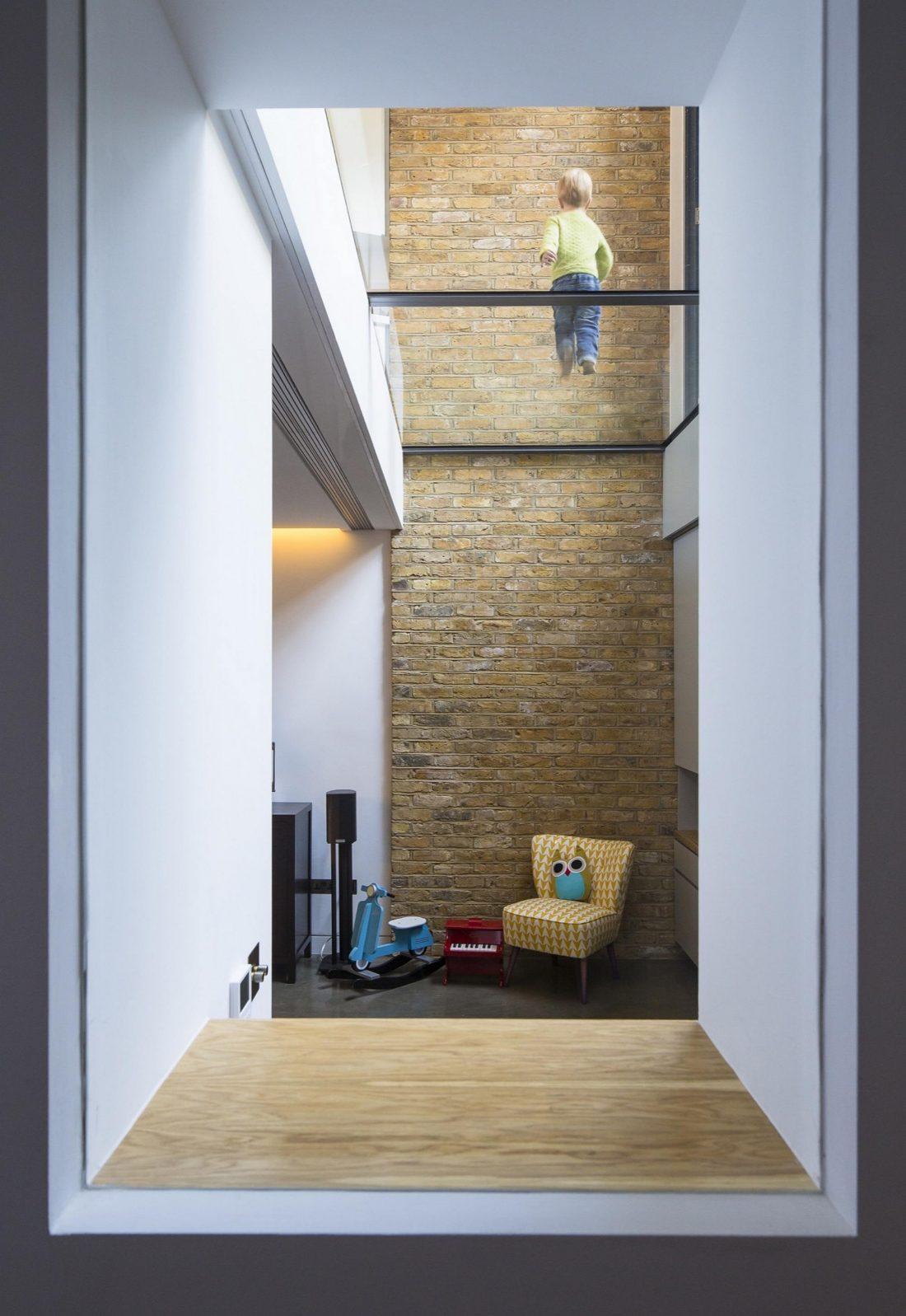 Дом Брекенбури от студии Neil Dusheiko Architects 8