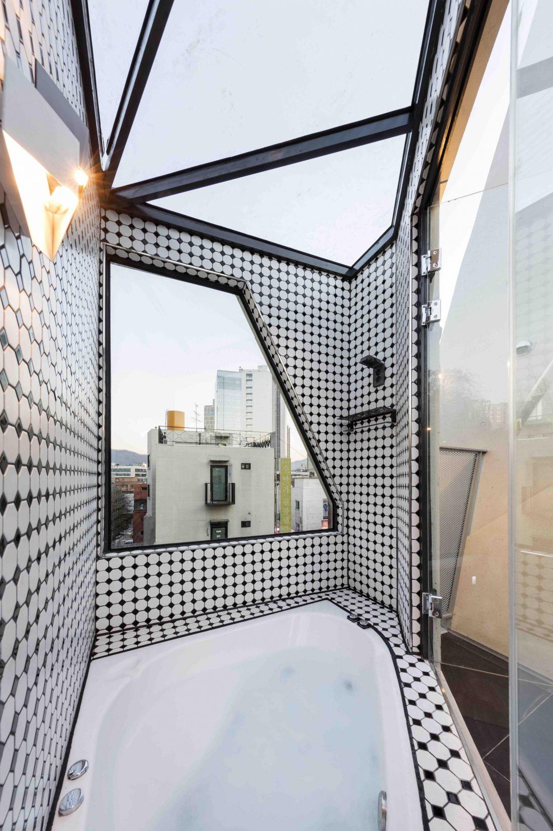 Дом в хай-тек стиле по проекту студии Moon Hoon в Южной Корее 16