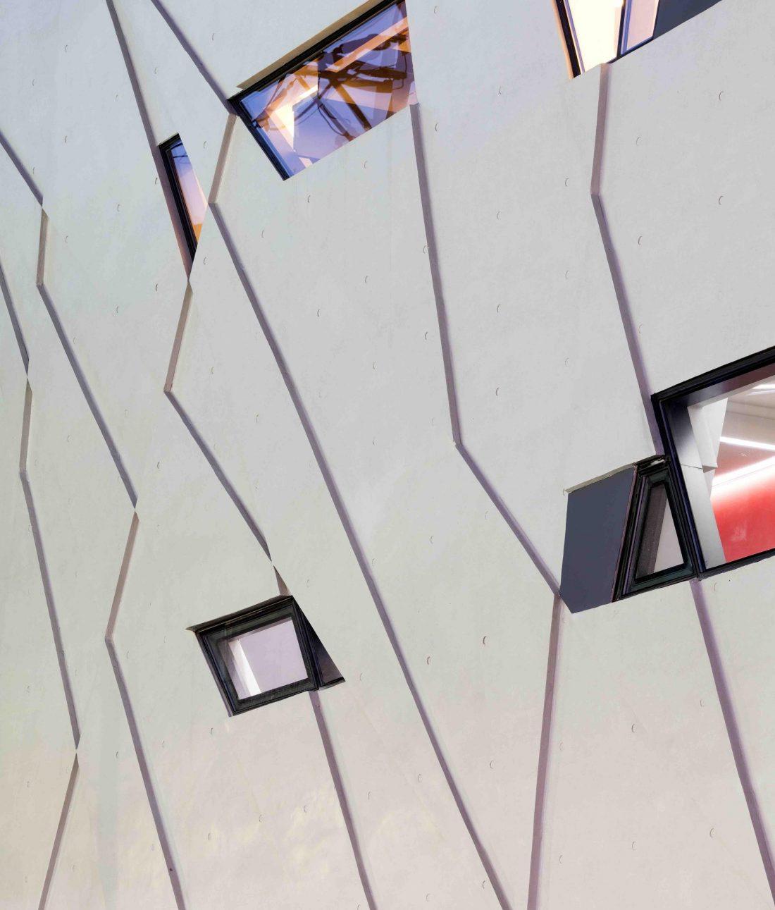 Дом в хай-тек стиле по проекту студии Moon Hoon в Южной Корее 22