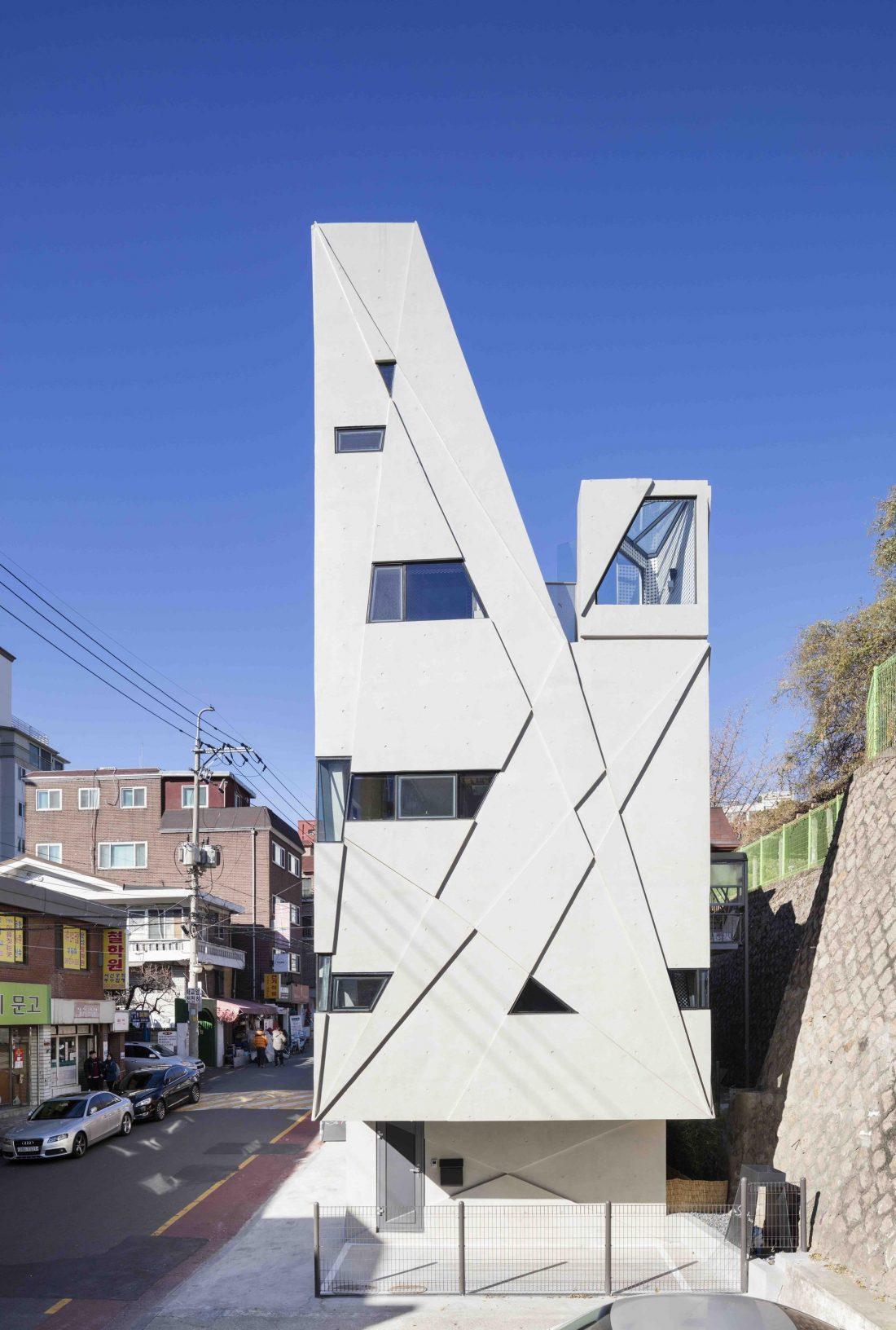 Дом в хай-тек стиле по проекту студии Moon Hoon в Южной Корее 31