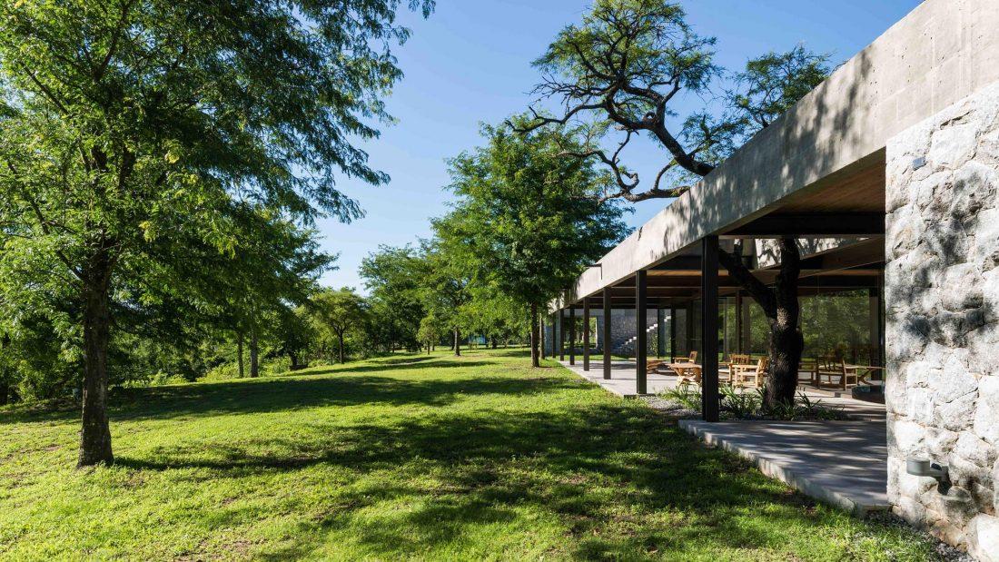 Экологичный и аутентичный проект дома от студии MWS arquitectura 16