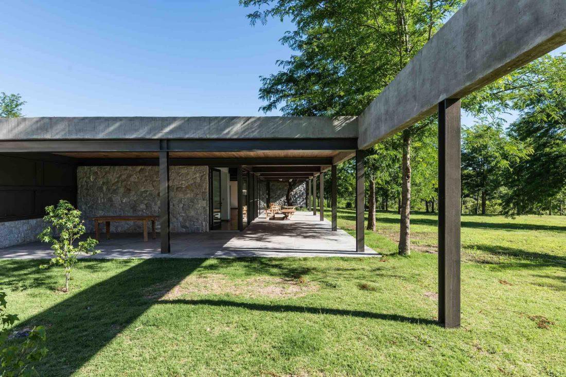 Экологичный и аутентичный проект дома от студии MWS arquitectura 25