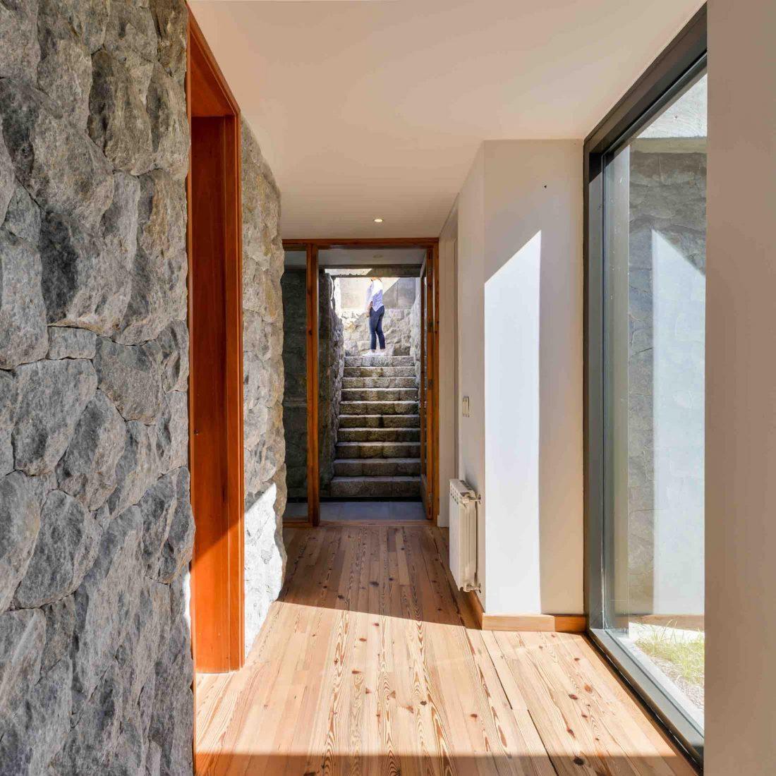Экологичный и аутентичный проект дома от студии MWS arquitectura 50