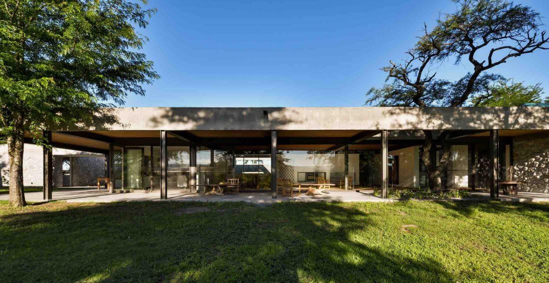 Экологичный и аутентичный проект дома от студии MWS arquitectura 51