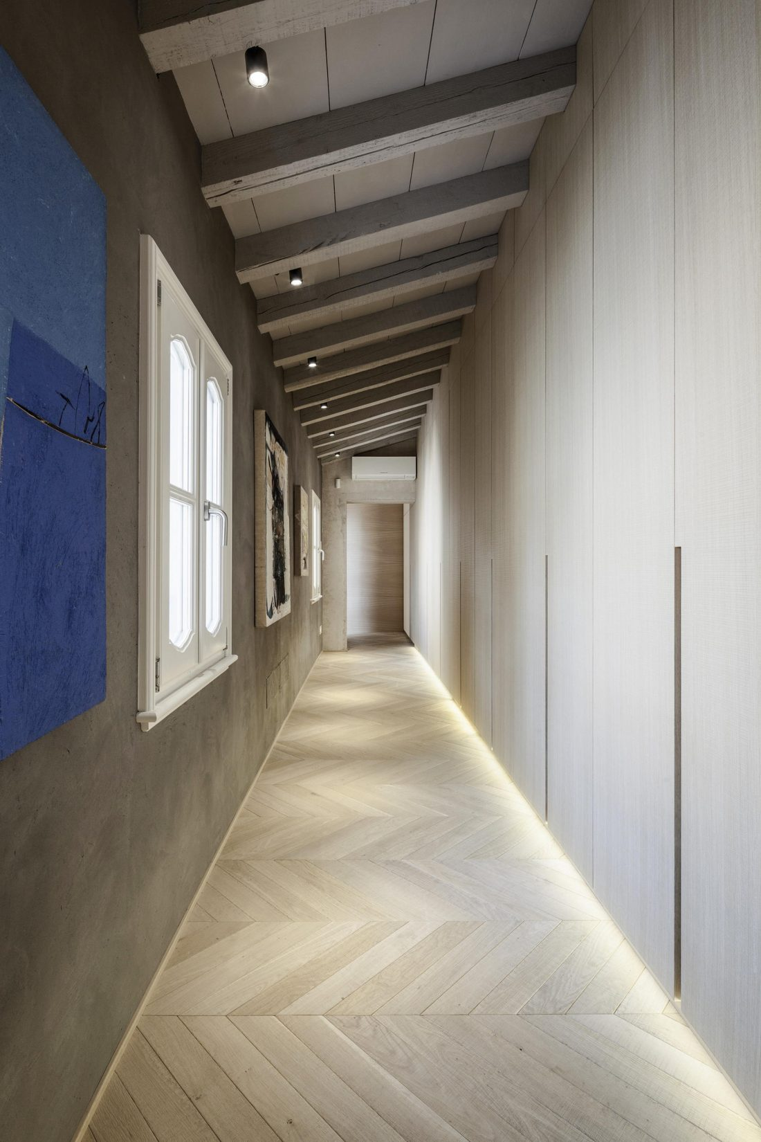 Интерьер квартиры в античном стиле в старинном доме в Италии 8