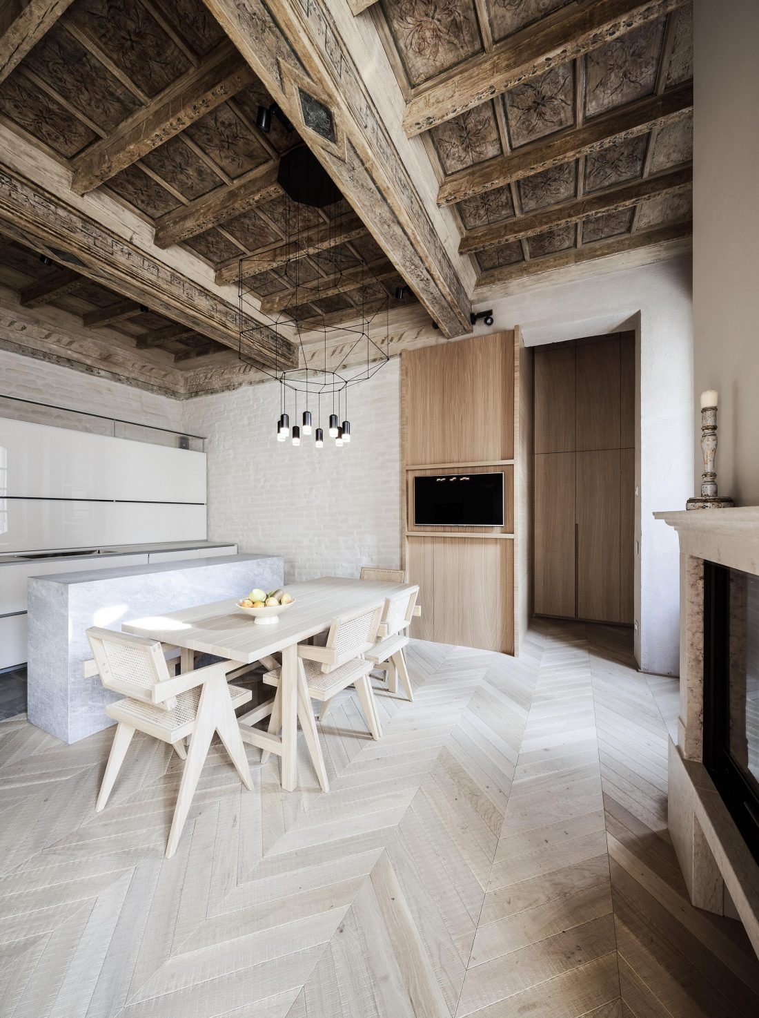 Квартира в античном стиле в старинном доме в Италии 1