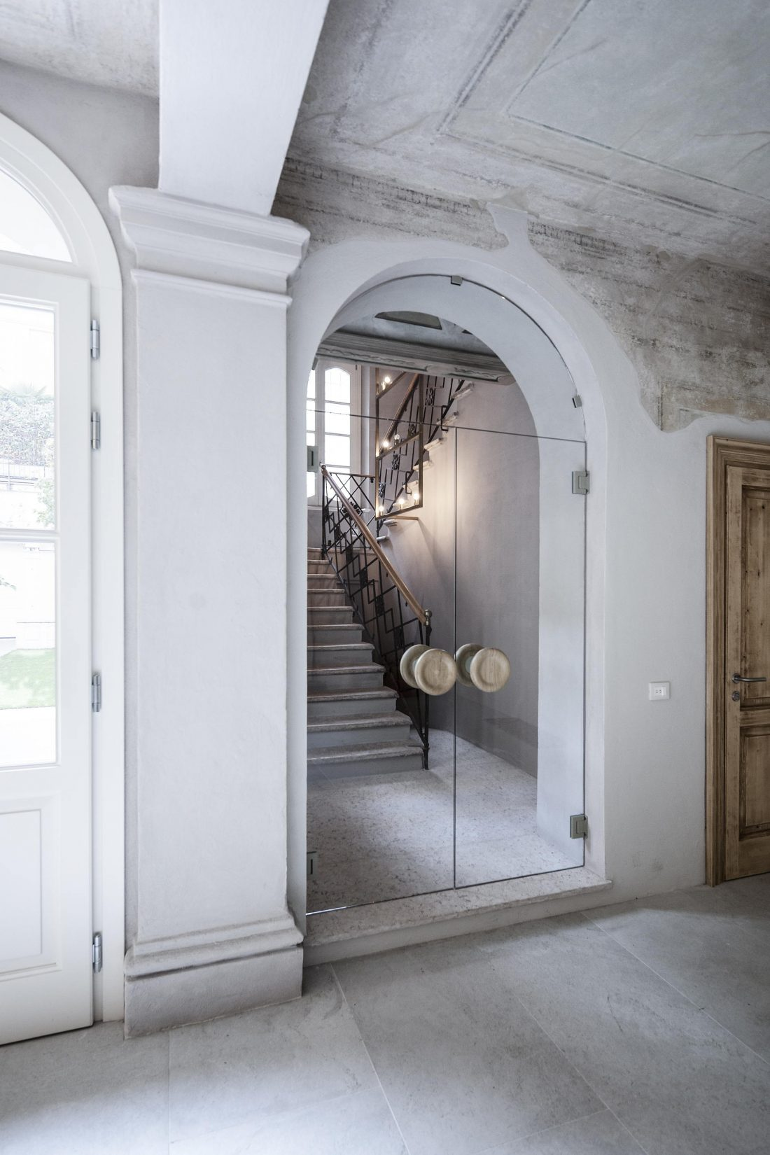 Квартира в античном стиле в старинном доме в Италии 2