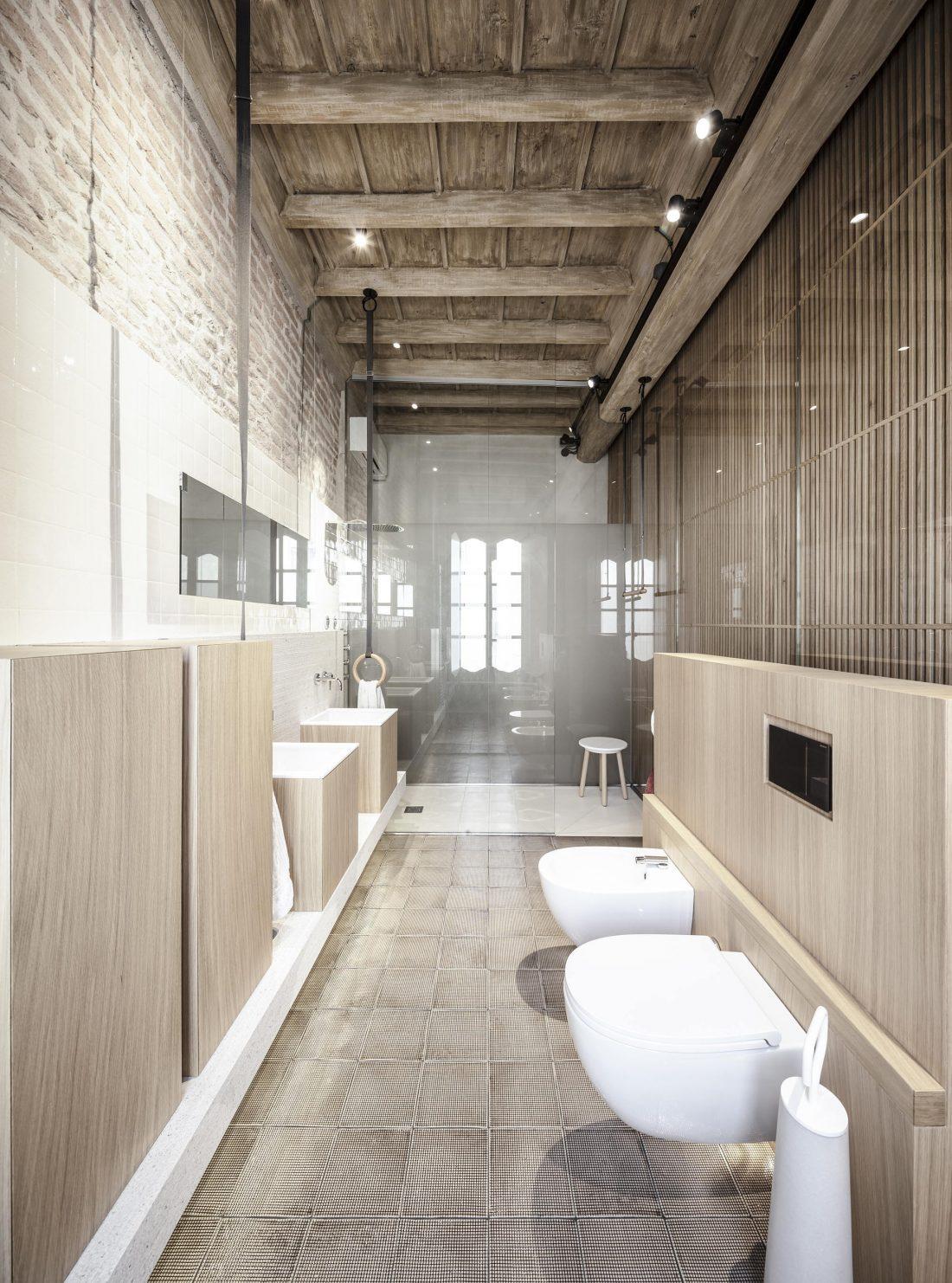 Квартира в античном стиле в старинном доме в Италии 6