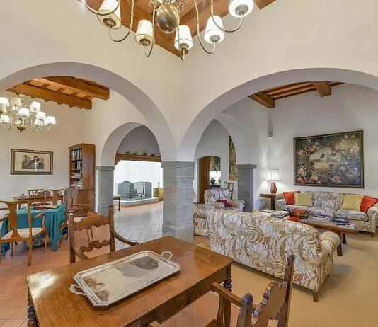 Средиземноморский стиль в интерьере загородного дома 1