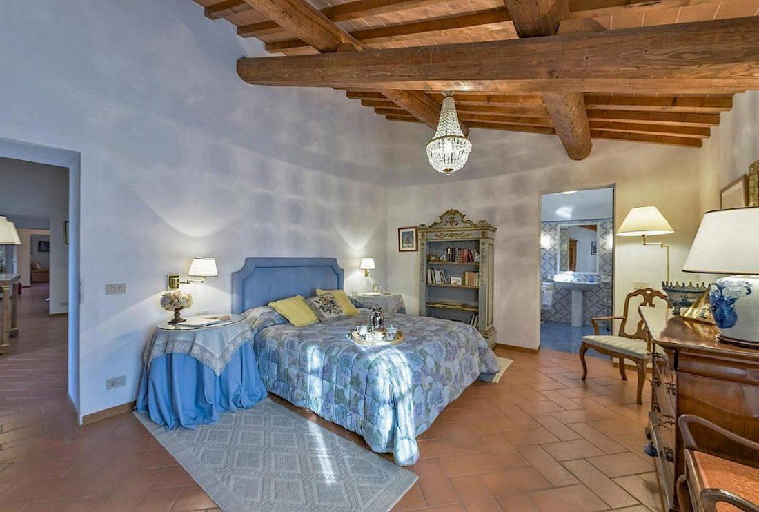 Средиземноморский стиль в интерьере загородного дома 10
