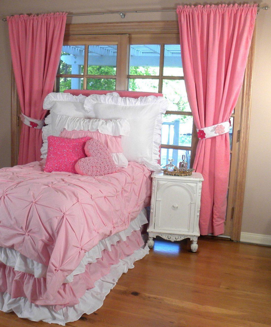 Стиль шебби-шик в спальне 13