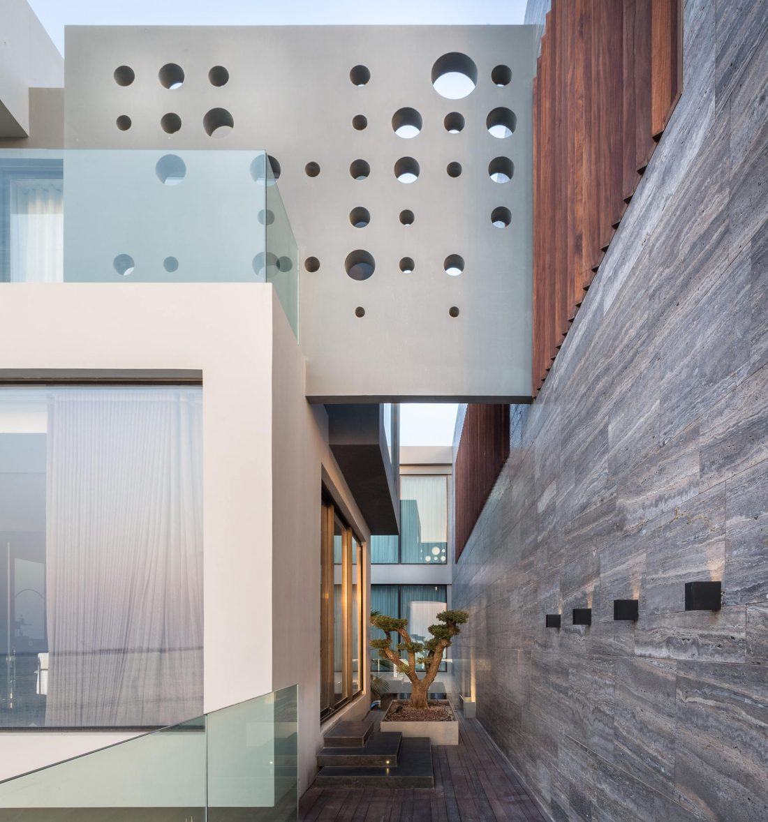 Вилла ААК масштабный эклектичный проект от студии MORIQ 3