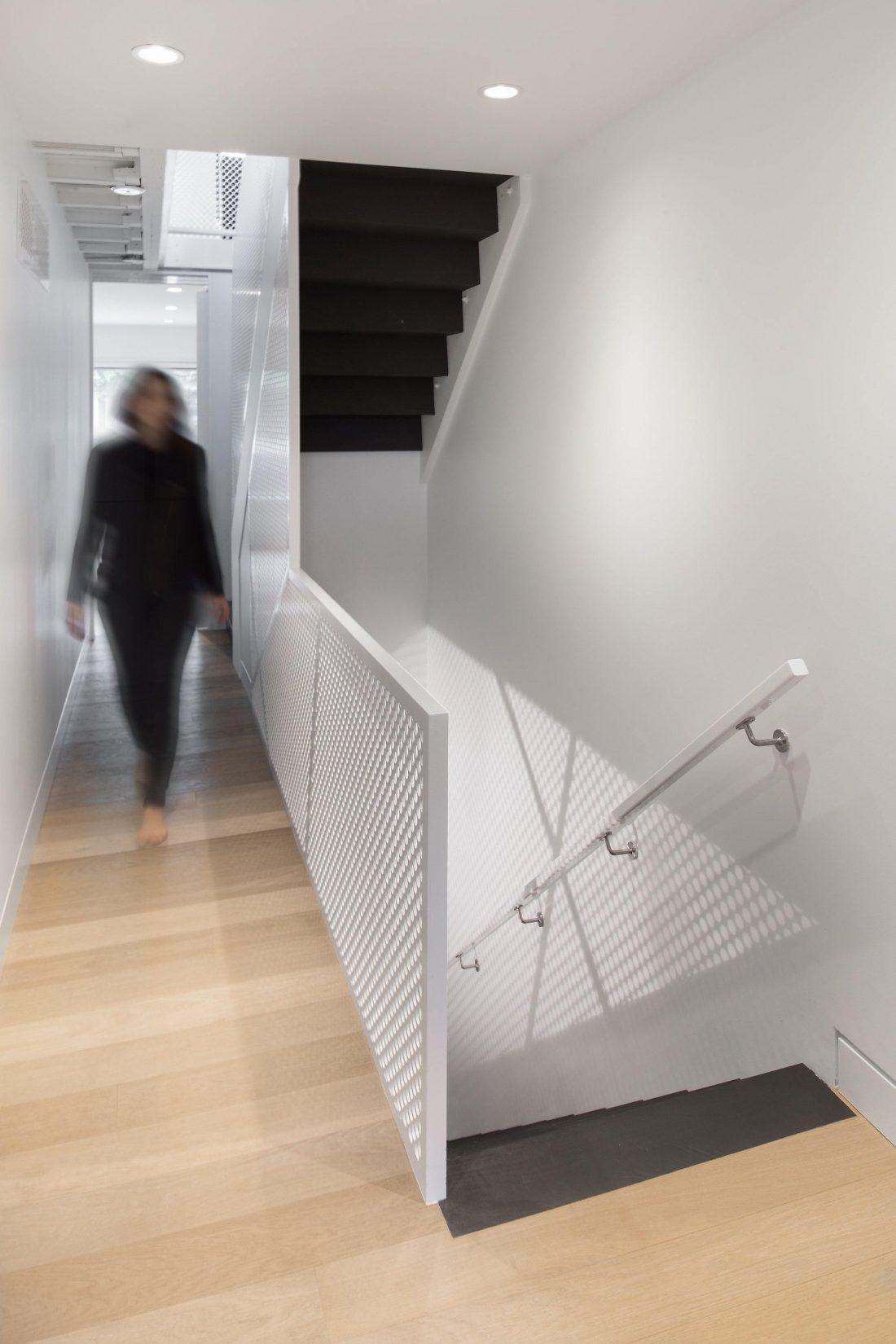 Выход из тени интересный проект студии POST Architecture 13