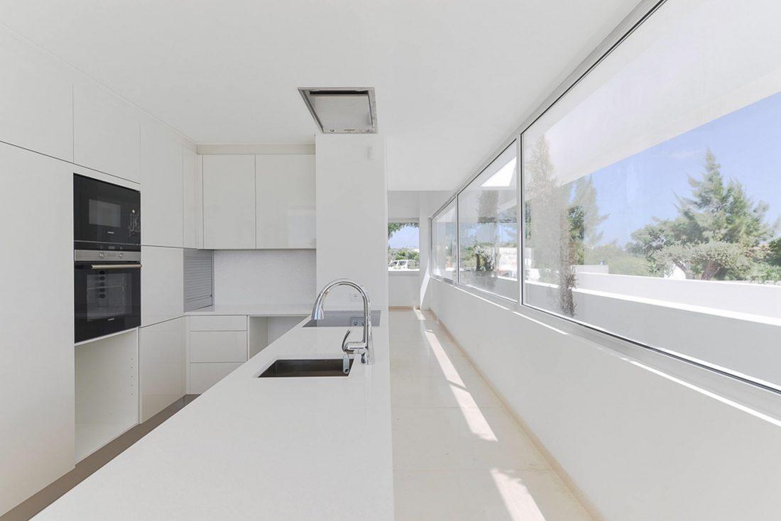 Дом из 5 террас и сада по проекту студии Corpo Atelier 19