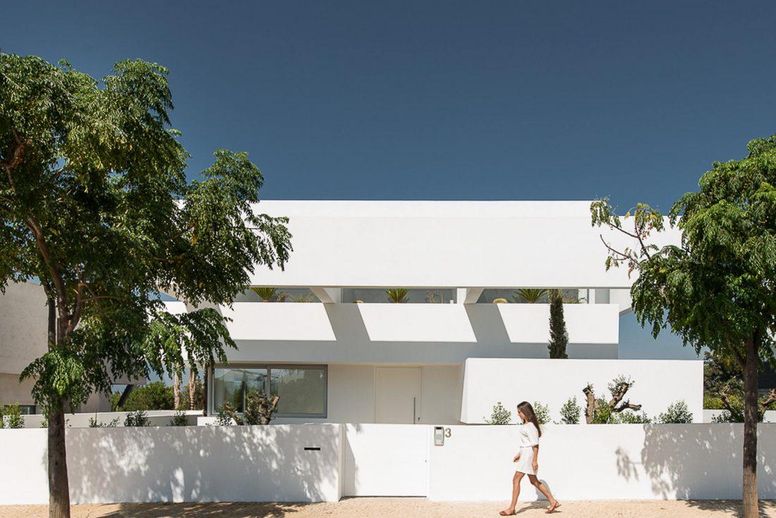 Дом из 5 террас и сада по проекту студии Corpo Atelier 2
