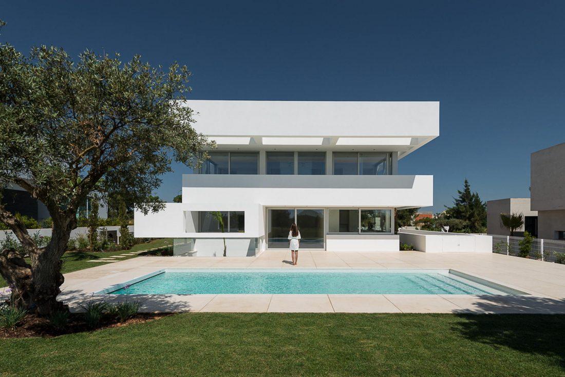 Дом из 5 террас и сада по проекту студии Corpo Atelier 22