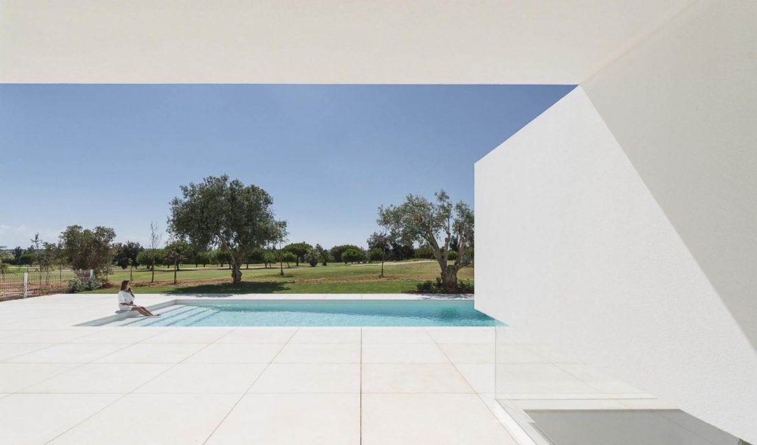Дом из 5 террас и сада по проекту студии Corpo Atelier 24