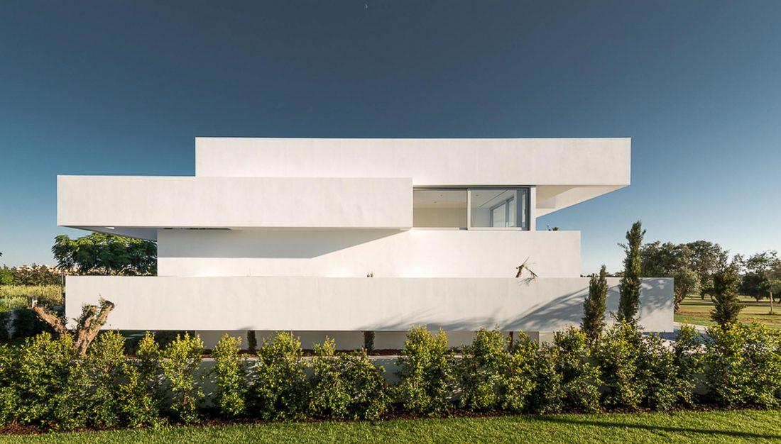 Дом из 5 террас и сада по проекту студии Corpo Atelier 29