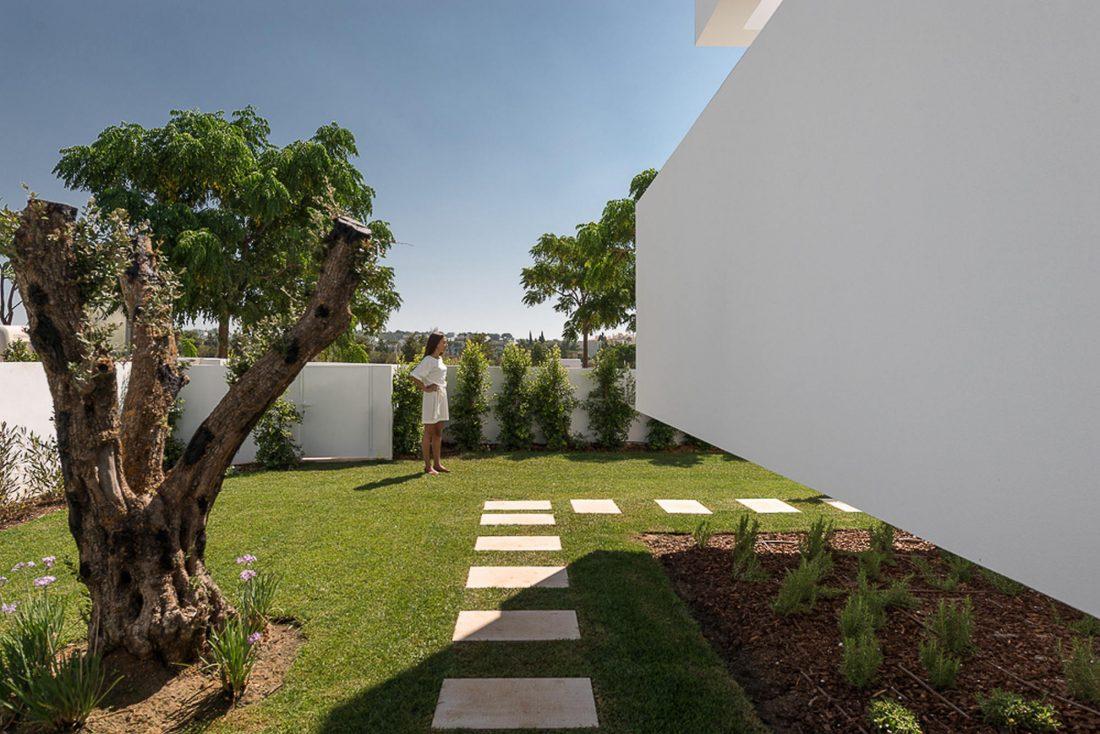 Дом из 5 террас и сада по проекту студии Corpo Atelier 4
