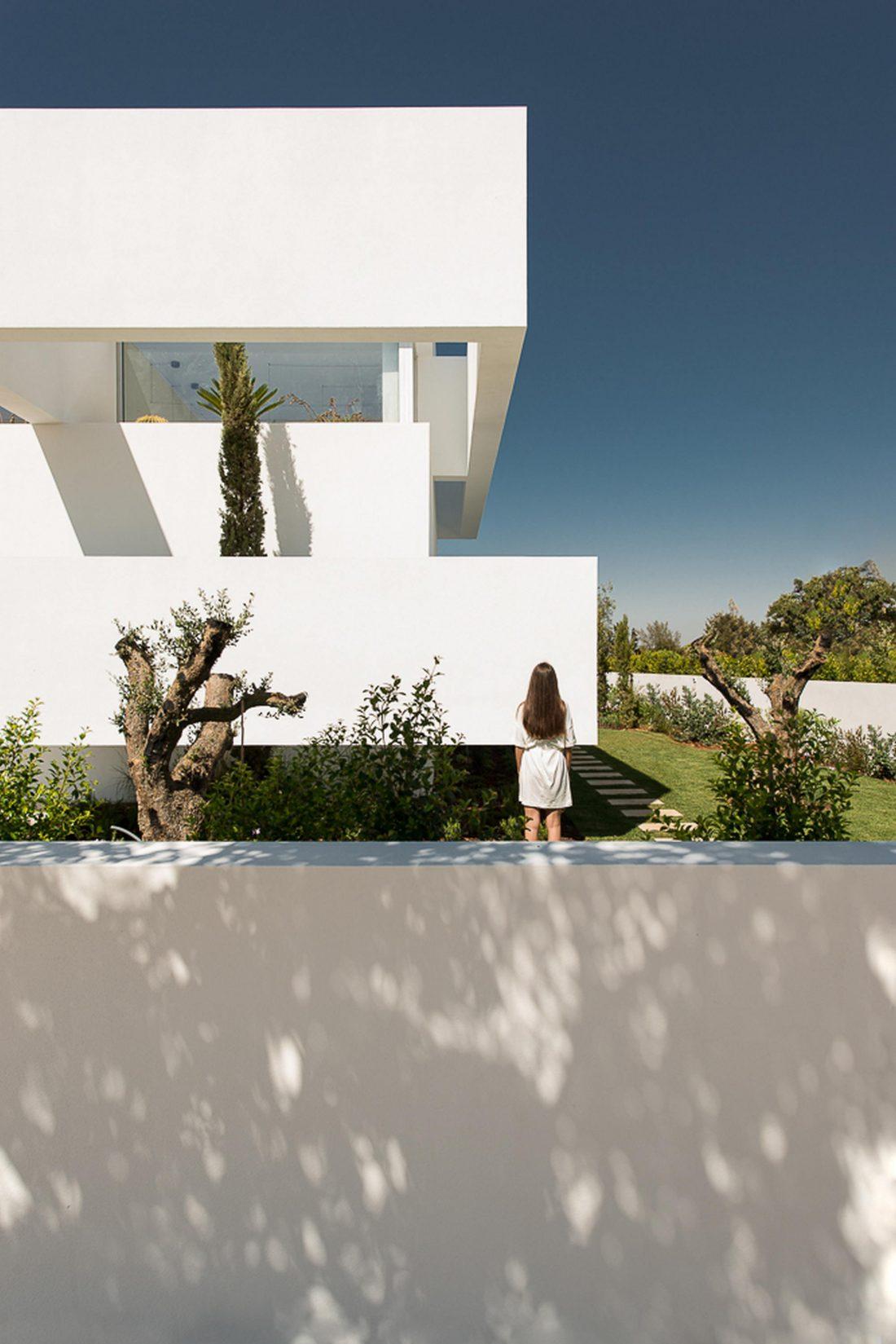 Дом из 5 террас и сада по проекту студии Corpo Atelier 5