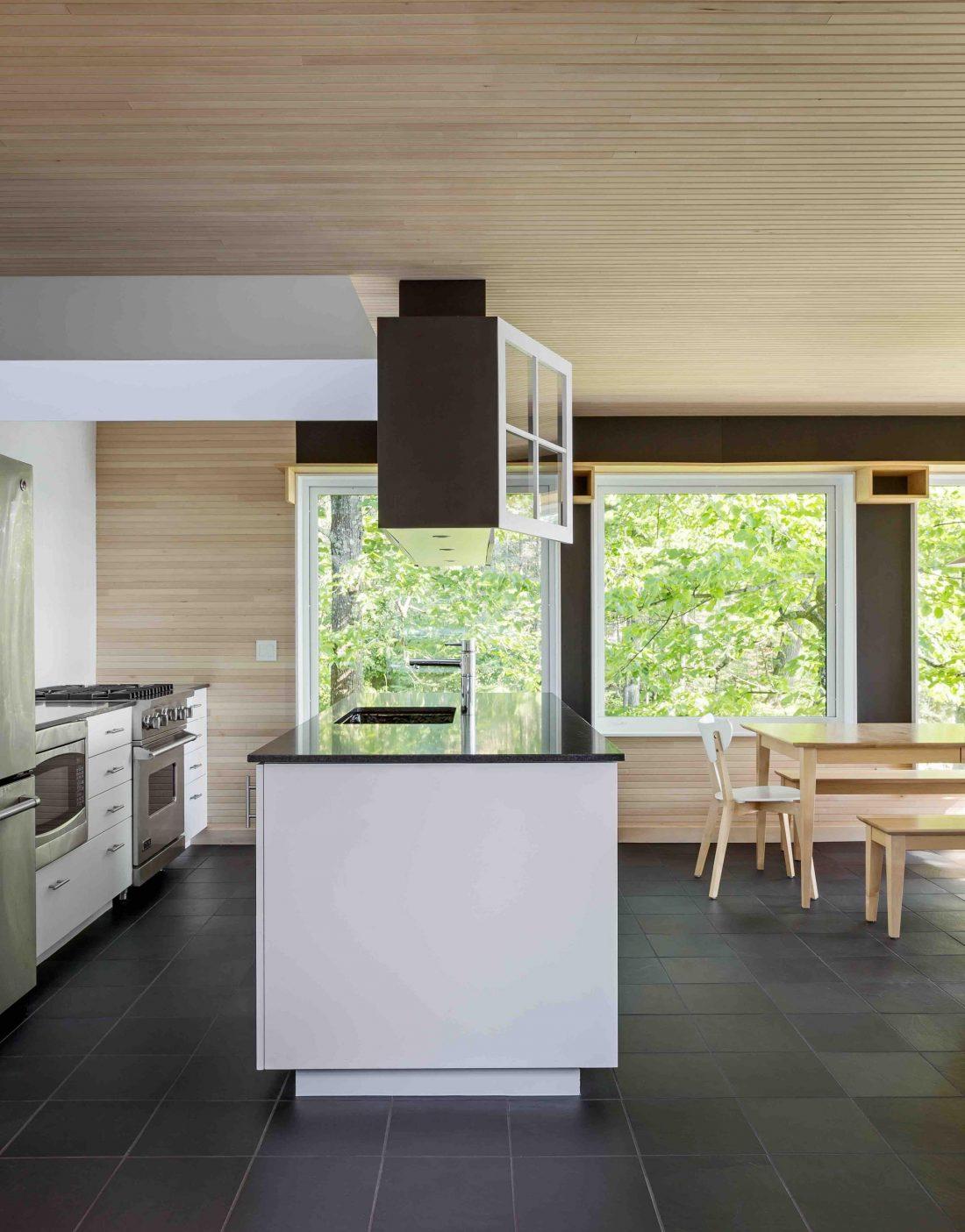 Дом на берегу озера от студии Salmela Architect 8