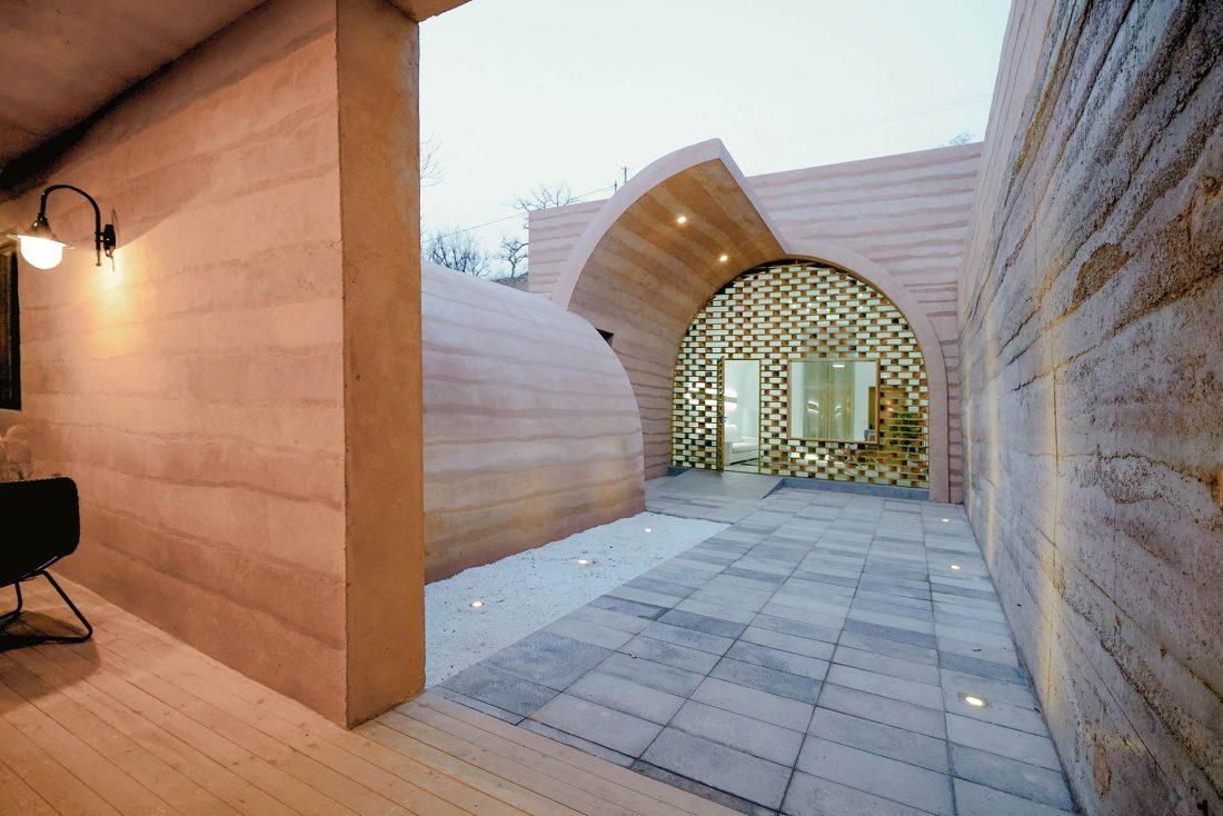 Дом в пещере от hyperSity Architects 11