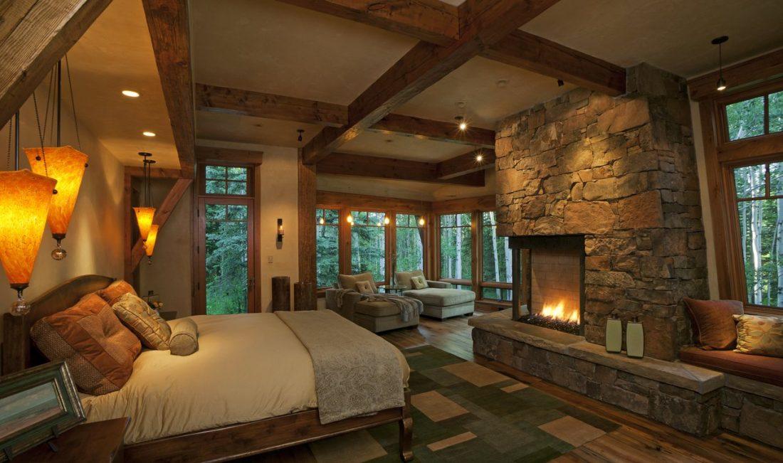 Кантри стиль в интерьере спальни — большой камин