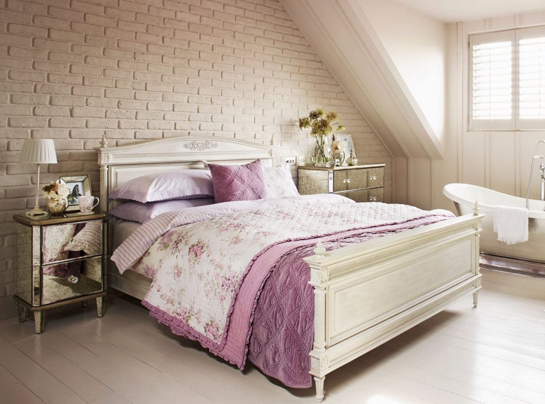 Кантри стиль в интерьере спальни — кровать 3