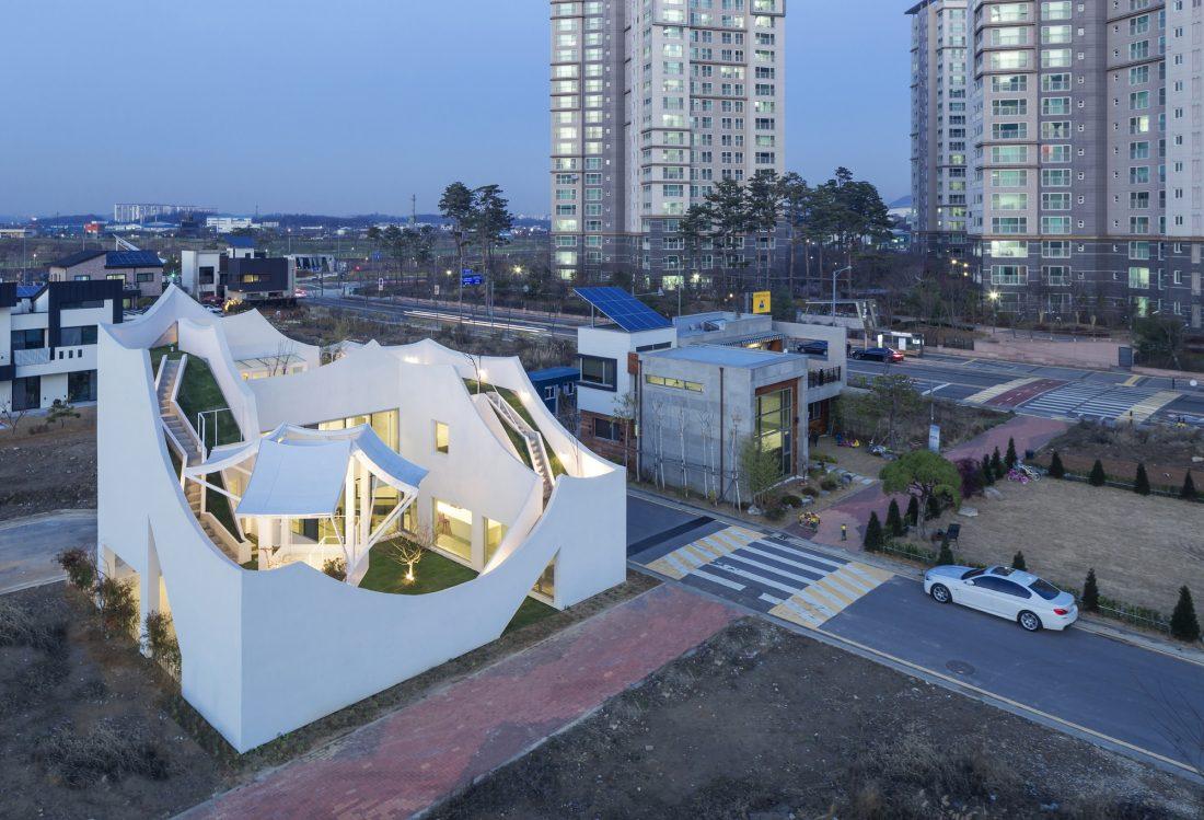 Летающий дом от студии IROJE KHM Architects 12
