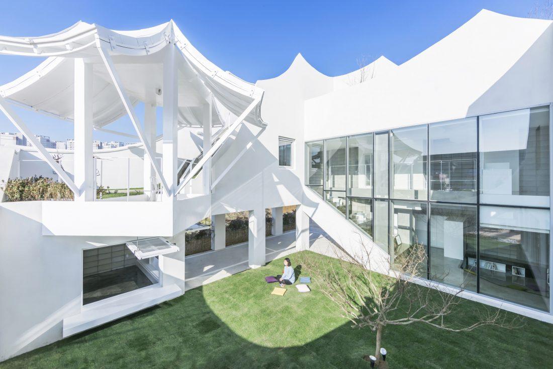 Летающий дом от студии IROJE KHM Architects 14