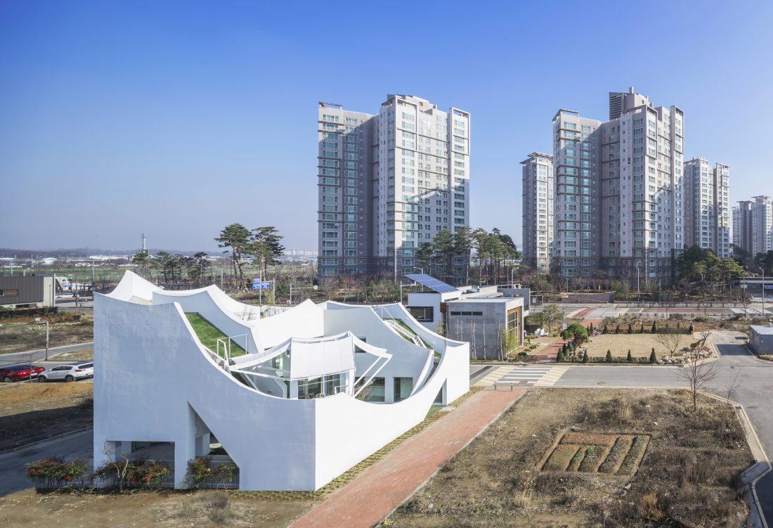 Летающий дом от студии IROJE KHM Architects 15