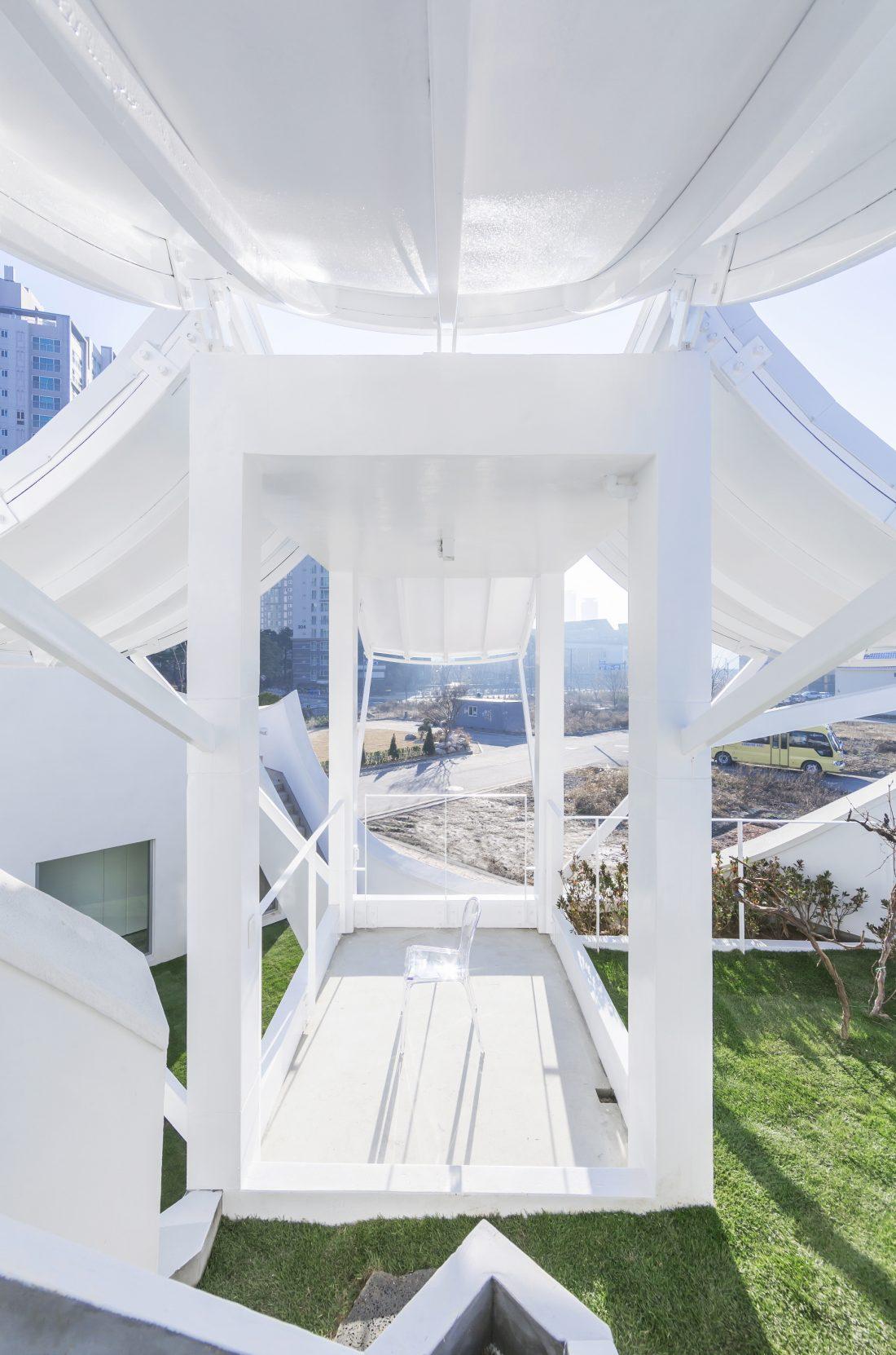 Летающий дом от студии IROJE KHM Architects 3