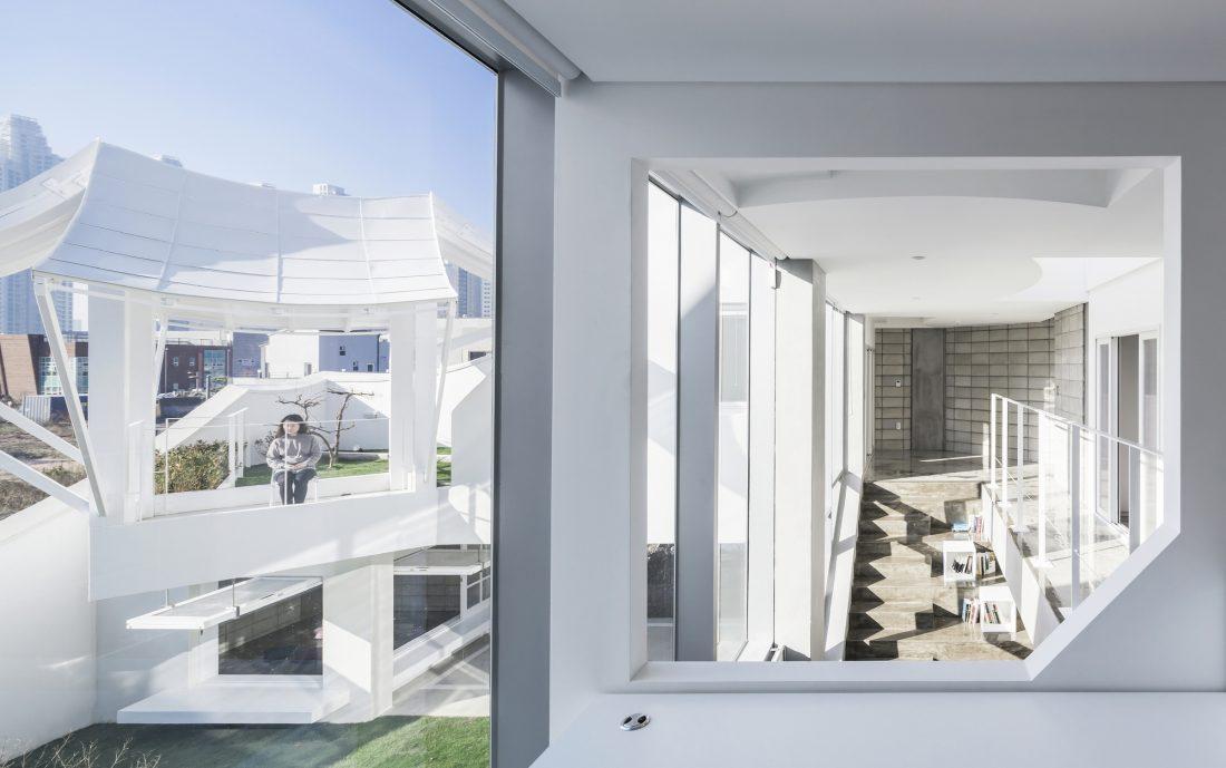 Летающий дом от студии IROJE KHM Architects 7