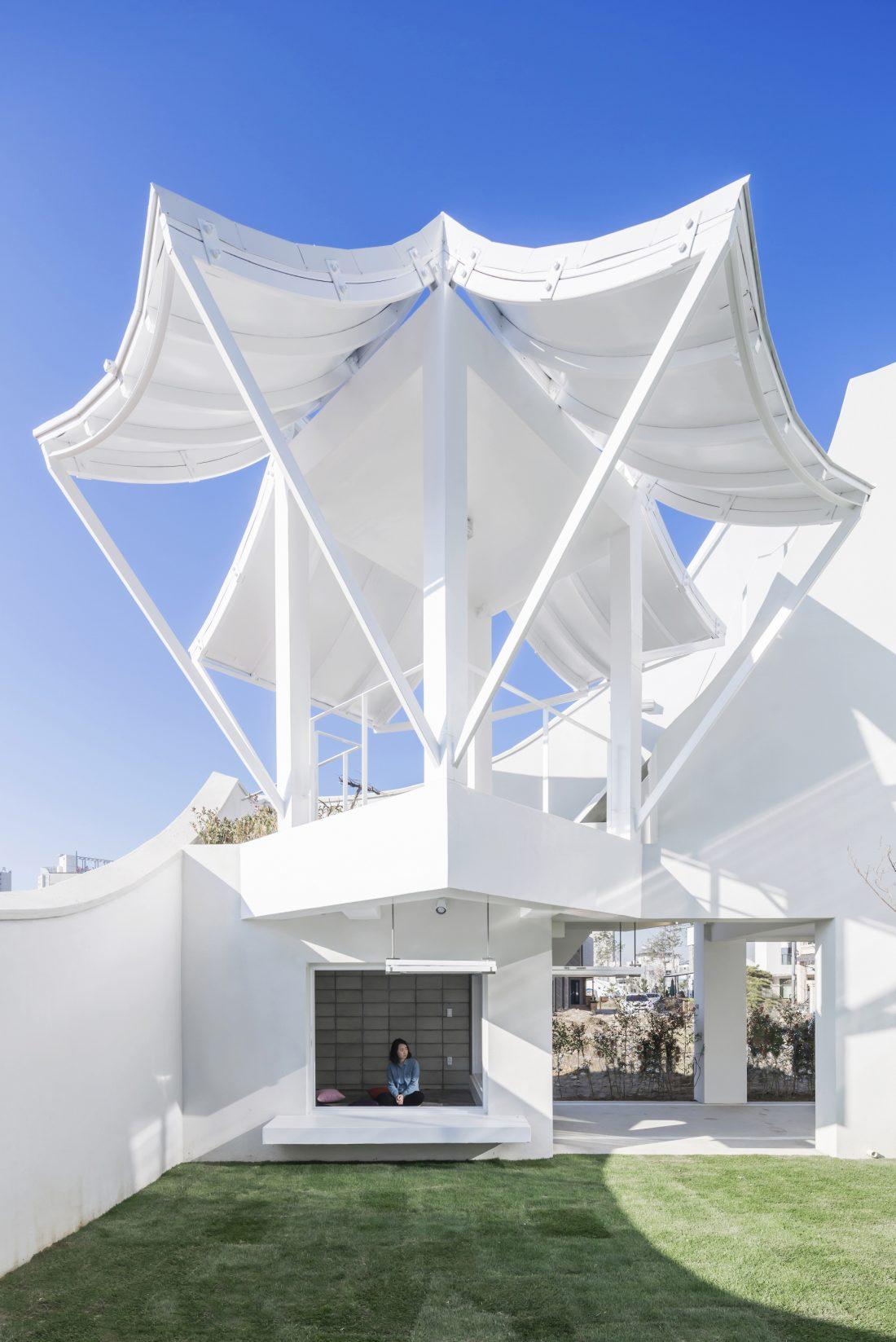 Летающий дом от студии IROJE KHM Architects 8