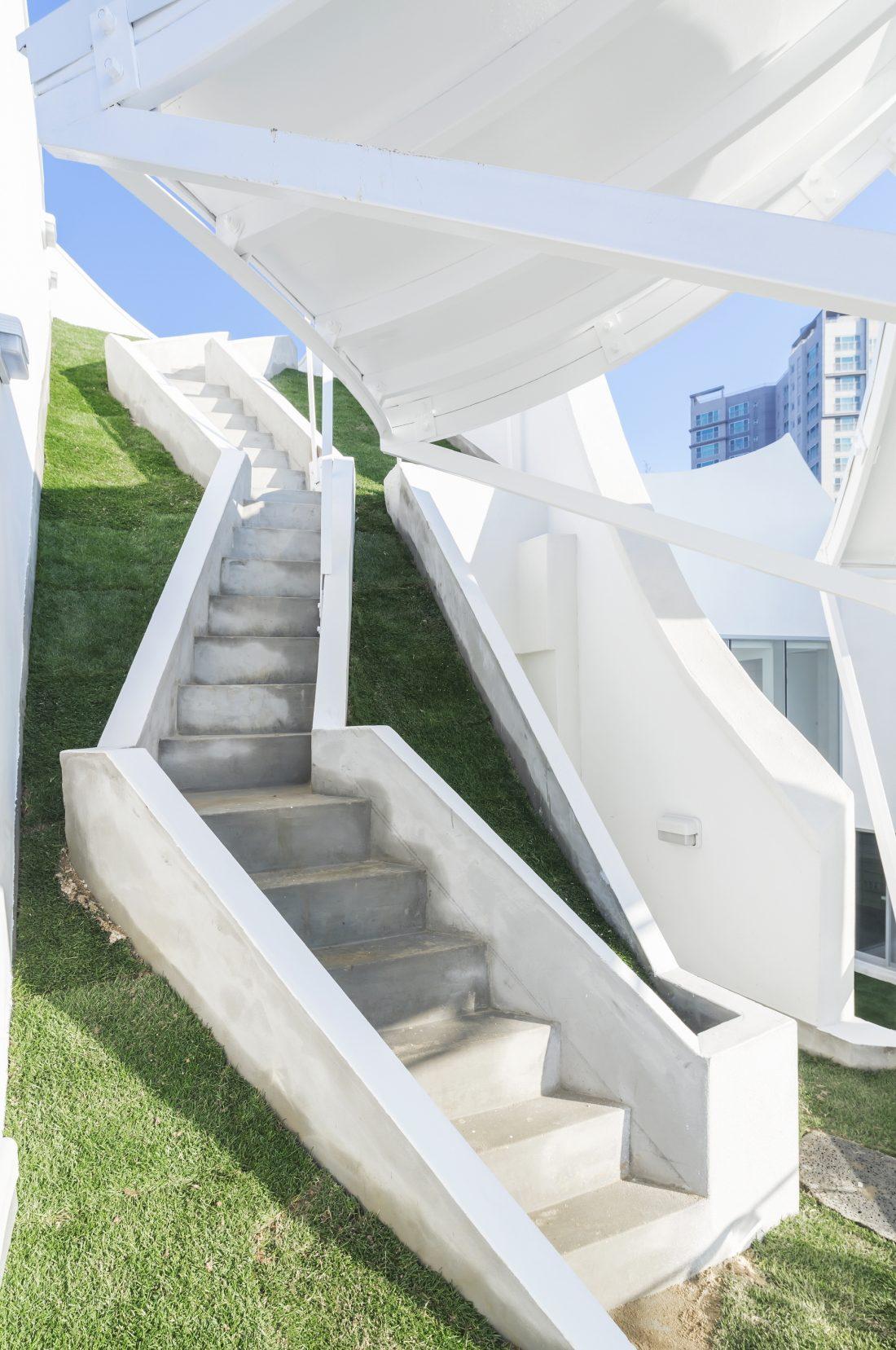 Летающий дом от студии IROJE KHM Architects 9
