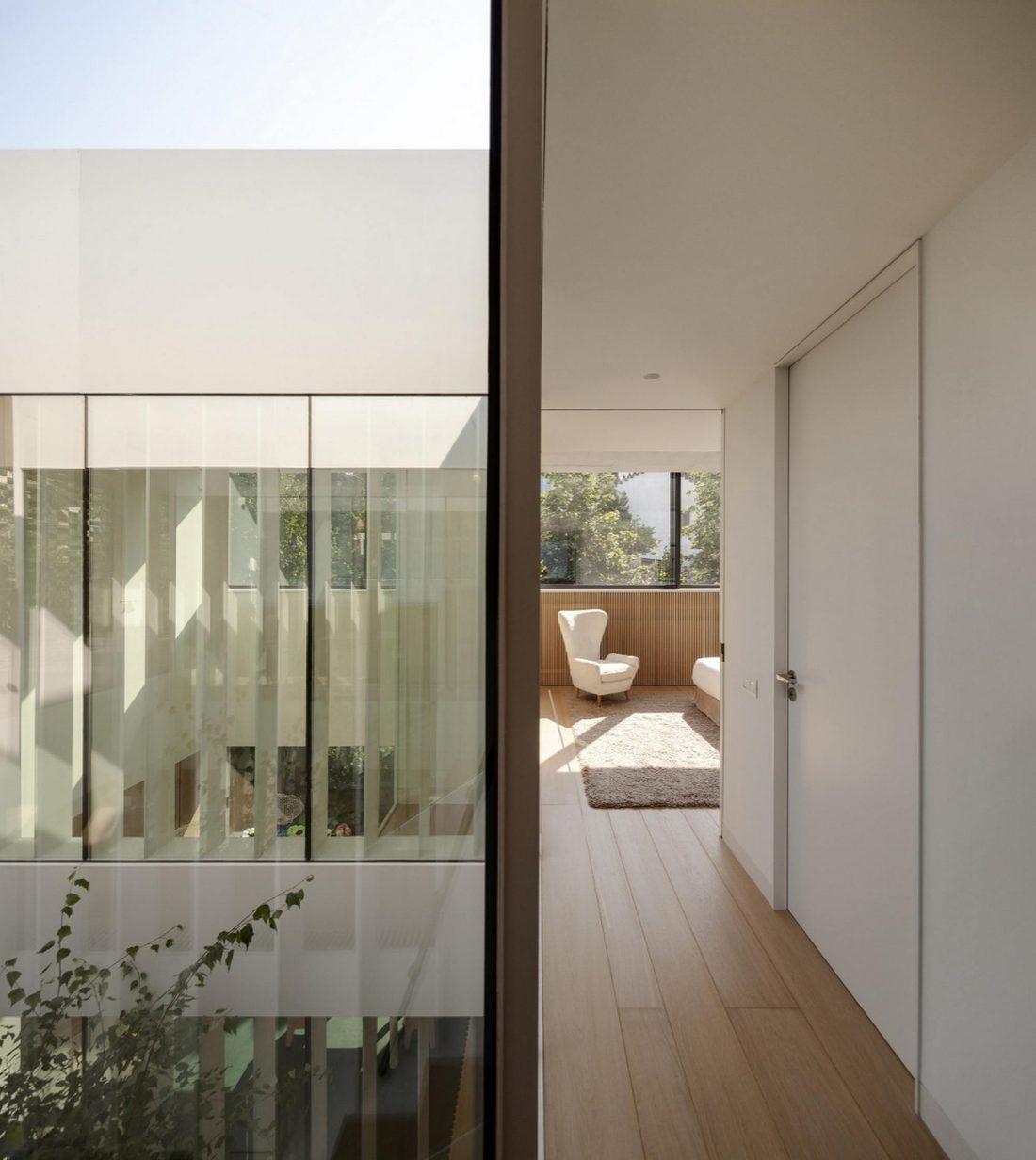 Проект TR House в Барселоне от студии PMMT 14