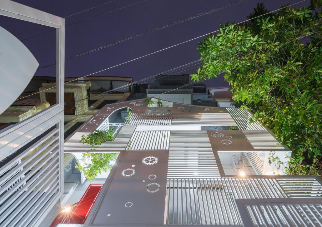 Дом-щит от студии Landmak Architecture 14