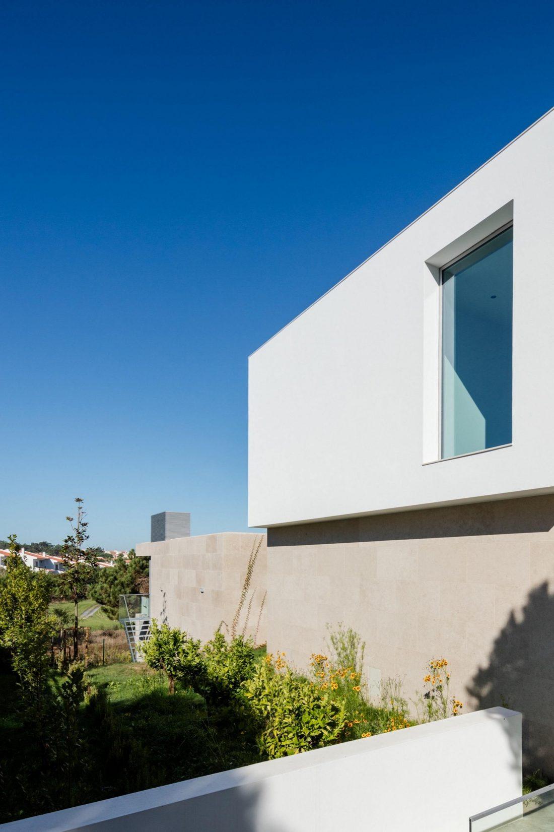 Дом в Обидуше, Португалия, от студии RSM arquitecto и Russell Jones Architects 13