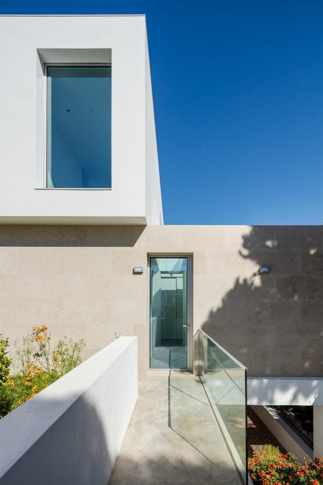 Дом в Обидуше, Португалия, от студии RSM arquitecto и Russell Jones Architects 14
